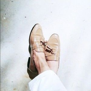 🆕 NUDE BEIGE TAN PATENT LEATHER SHOES FLATS WORK